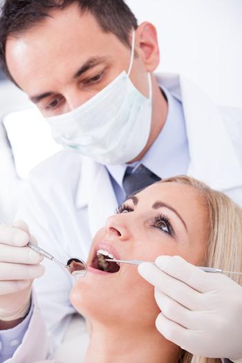 Хороший зубной врач, стоматолог